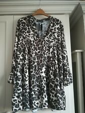 Cameo Rose Leopard print smock Size Medium. Brand New With tags