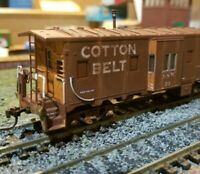 Athearn Cotton Belt Weathered caboose  RTR bay window custom HO scale
