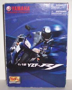 MAISTO YAMAHA YZF-R1 - 1:12 SCALE MODEL KIT