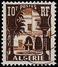 Scott # 267 - 1955 - ' Patio of Bardo Museum ', Postes & Algerie in White