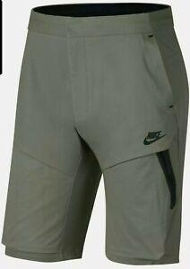 Nike Sportswear Tech Pack Woven Shorts Herren