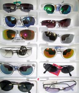 12 Sonnenbrillen aus Ausstellungsständer