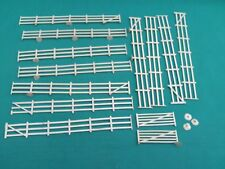 AIRFIX HO/OO GAUGE PLASTIC FLEXIBLE LINESIDE FENCING AND GATES IN V.G.C.