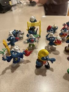LOT OF 27 VINTAGE SMURFS PVC FIGURES PEYO SCHLEICH 1970's 1980's USED