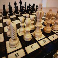 Neu Schachspiel aus Holz Figuren Schachbrett edel handgefertigtes 35x35cm Kiste!