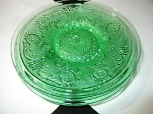 """LOT 1- 2 GREEN SANDWICH CHANTILLY LACE TIARA GLASS 6.5"""" SIDE PLATES SMOOTH RIMS"""