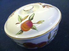 Royal Worcester Evesham Gold Round Covered Dish 2ltr - Boxed