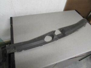 2008-2012 Hyundai Veracruz radiator sight shield upper plastic trim support OEM