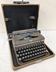 Vintage Royal Companion Metal Glass Key Portable Typewriter w/ Case