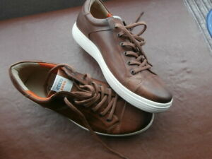 """ECCO GOLF SHOES - SIZE 8/ - PIMPLE SOLE - NEVER WORN - WIDE FITTING / """"C"""" - POSH"""