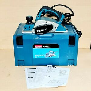 Makita KP0800J 230V 620W 82mm Heavy Duty Planer With Wrench Blade & Mac Case