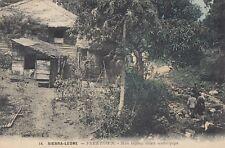 FREETOWN (Sierra Leone): Men laying down water pipe