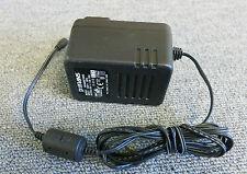 Potrans WD480901000 UK MURO SPINA CARICATORE ADATTATORE AC 9 W 9 V 1 Amp