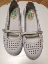 Skechers  Women's Comfort Shoes Beach Water Hiking Summer Shoes Size 8