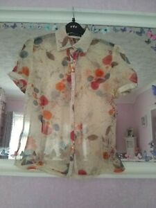 Mandolin Button Up Floral Short Sleeve Silk Top Size 8 Cream Mix, Good Condition