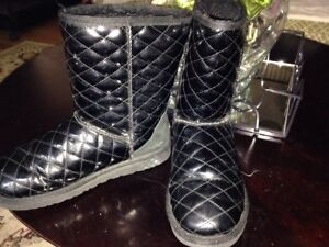 RARE~LIMITED EDITION~UGG Black Quilted Patent WINTER BOOTS SHEARLING~WOMANS 7 38