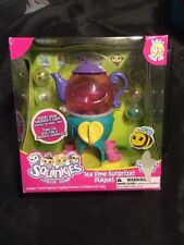 2010 Squinkies Tea Time  Surprize Playset with 5 Squinkies