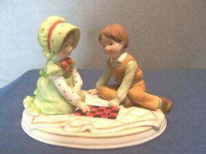 VINTAGE HOLLY HOBBIE & ROBBY FIGURINE SWEET REMEMBRANCE GOOD FRIENDS & FUN 1980