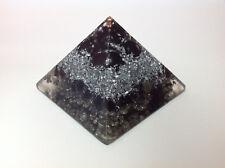 EMF Orgonita Pirámide con Shungite, tamaño 8 cm, peso 250g