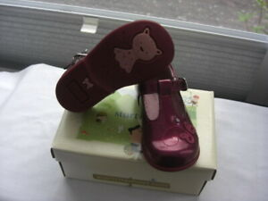 Start-rite PIXIE in Berry PATENT size UK 6.5E  INFANT