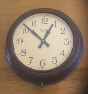 Smith 8 Day Wall Clock. Bakelite. Mechanical.