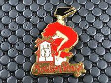 pins pin MOULIN ROUGE  PIN UP  ARTHUS BERTRAND