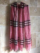 Echarpe Chèche BURBERRY laine   soie Rose f6a6f25735b