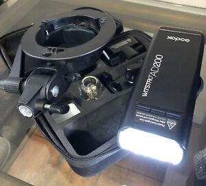 Godox AD200 Speedlite Light TTL 2.4G 1/8000 HSS (no charger) + Circle Mount.