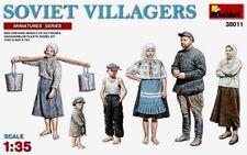 Miniart 1:35 Soviet Villagers Figures Model Kit