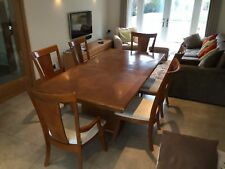 Stylish Extending 'Heals'Dining Table with 2 Carvers & 4 Chairs.