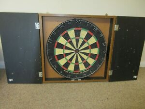 Winmau Vintage Dart Board In Cabinet with Brackets and Blackboards