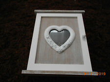 Perlen Blüten Fensterdeko Herz offen länglich massiv Natur 22x16 cm Buchskranz