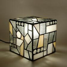 Lampada da comodino con paralume in vetro saldato Tiffany listino 163 euro