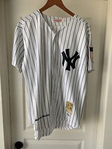 Mitchell & Ness Baseball Jersey - 1951 New York Yankees Mickey Mantle #7 Size 48