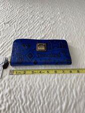 Brand new with tagsWalt Disney World Dooney & Bourke wallet discontinued
