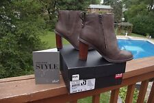 NIB Clark's Ladies Kea Blues Taupe Leather Booties Gorgeous Ankle Boots 6 1/2 M