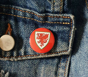 Wales football crest - Small Button Badge - 25mm diam