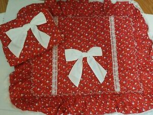 VINTAGE J.C. PENNY RED FLORAL LACE TRIM 2 SHAM PILLOW CASE QUILTED BOW