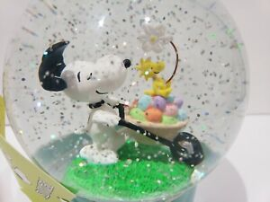 Peanuts Snoopy Woodstock Easter Water Globe Snow Globe Light Up Home Decor