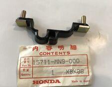 Guida tubo olio - Clamp, Oil Pipe  - Honda NX650 NOS: 15711-MN9-000