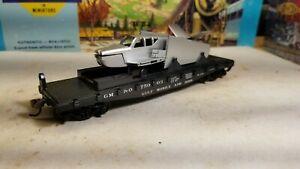 ATHEARN BLUE BOX 1355 40' FLAT CAR WITH SILVER AND BLACK AIRPLANE LOAD NKP 1958