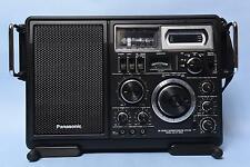 PANASONIC SW Double Superheterodyne System Radio RF-2900. Sounds and Works Great