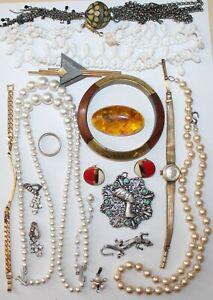 Konvolut Bastelschmuck Brosche Armband Anhänger Kette Nachlass vintage