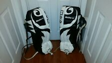 "Vaughn CCM Heaton 6 used Ice Hockey 32"" 6SR Goalie Leg Pads White Black"