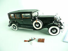 Franklin Mint 1:24 scale Al Capone Cadillac  with display case.......ref.10105