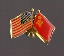 Pin's Amitié Amérique - URSS (drapeaux)