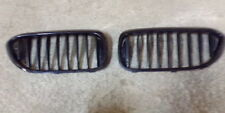 22767 L3A G30 G31 BMW 5 SERIES SET OF 2 FRONT KIDNEY GRILLS IN GLOSS BLACK