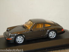 Porsche 911 Carrera 2/4 1992 van Minichamps in Box 1:43 *18754