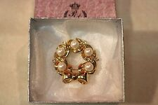 Marvella Gold Wreath with White Pearls and Diamonds Brooch Pin