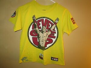 Youth WWE Wrestling JOHN CENA Never Give Up YELLOW Graphic T-Shirt MEDIUM Flawed
